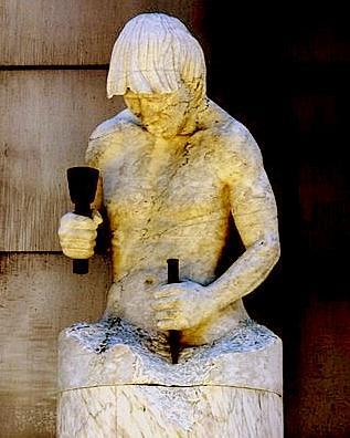 hombre que se esculpe a sí mismo